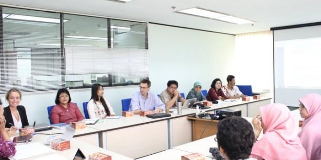 Paparan tentang Standar Inisiatif Transparansi Penerimaan dari Industri Ekstraktif