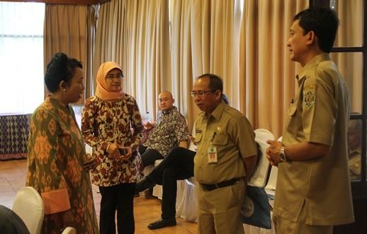 Socialization on EITI Second Report Filling Guidance , Samarinda 27 August 2013